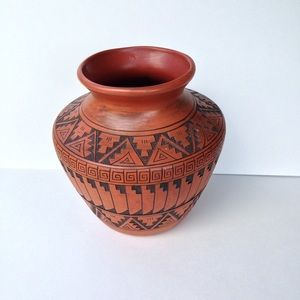 Navajo Pottery - Handmade